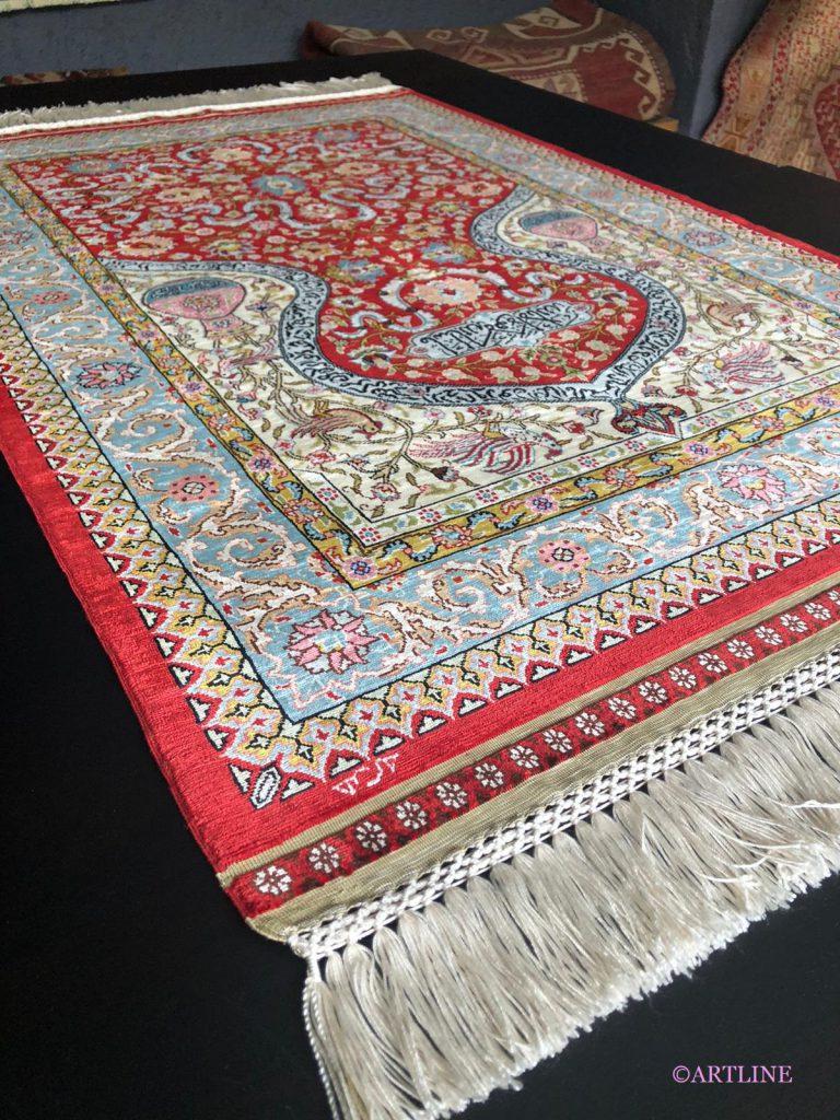 世界最高峰のシルク絨毯ヘレケ