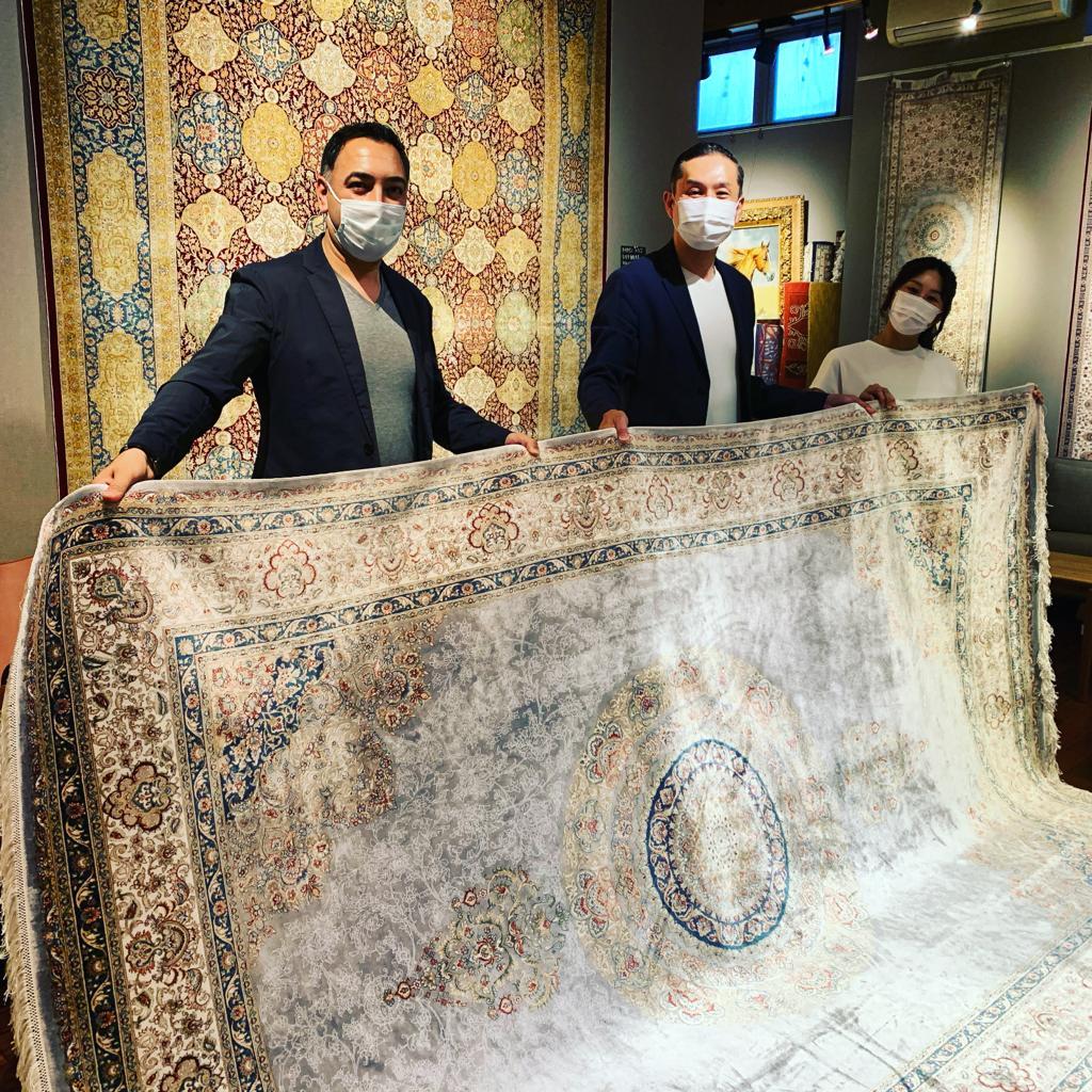 シルク絨毯